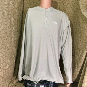 The North Face - Men's Long Sleeve Pullover Henley